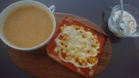 枝豆コーンのピザトースト♡