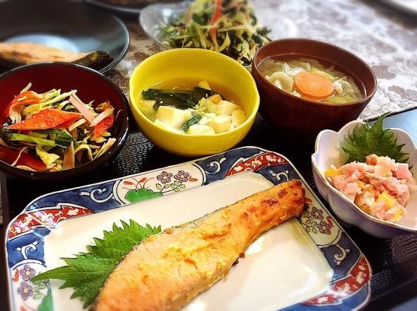 シャケの西京焼きと豚汁の日