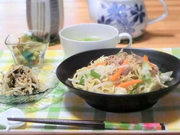 ♡野菜たっぷり塩焼きそばでお昼ご飯♡