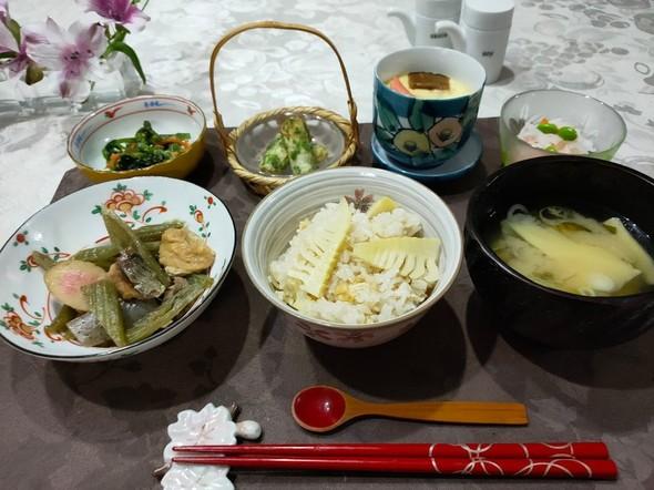 毎日の献立♪(丼・飯物・・筍ご飯)