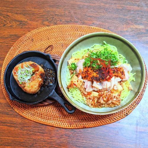 麻辣蒸し鶏あんかけ麺