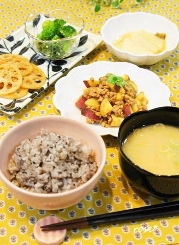 ほっこり❀さつま芋と豚挽肉そぼろで夕食