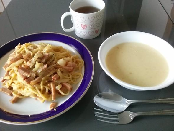 カルボナーラとコーンスープ