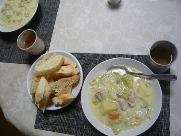 白菜のクリーム煮&フランスパン