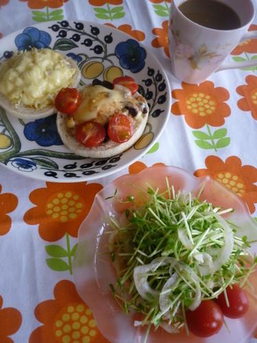 キャベツカレー&プリントーストにサラダ☆