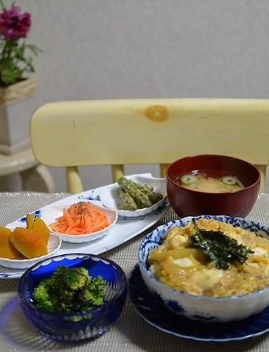 14.04.10(木)玉子丼…★