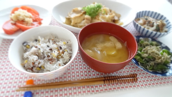 厚揚げ大根と豚バラ味噌煮の夕食