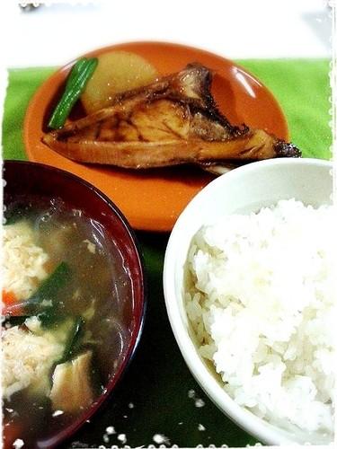 鰤カマ大根と中華風野菜とはるさめのスープ