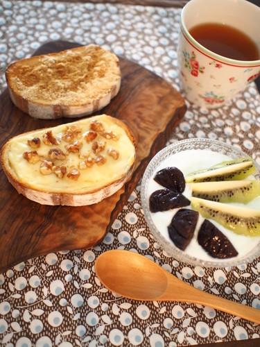2種の甘いトーストで幸せな朝ごはん♡