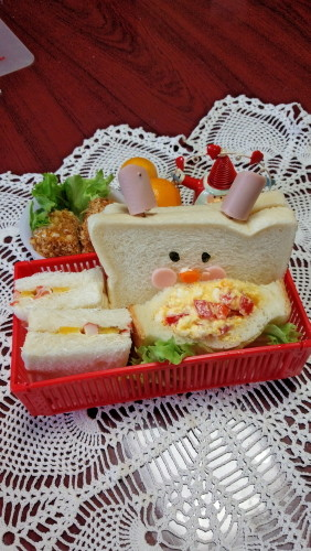 可愛いサンドイッチでお弁当♬