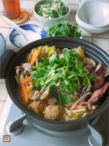 トムヤムクン鍋×香菜と豆腐のサラダで献立
