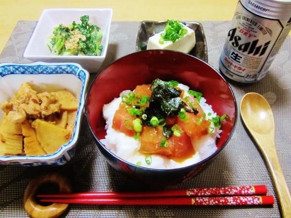 マグロとサクサク山芋の丼の夕飯♪