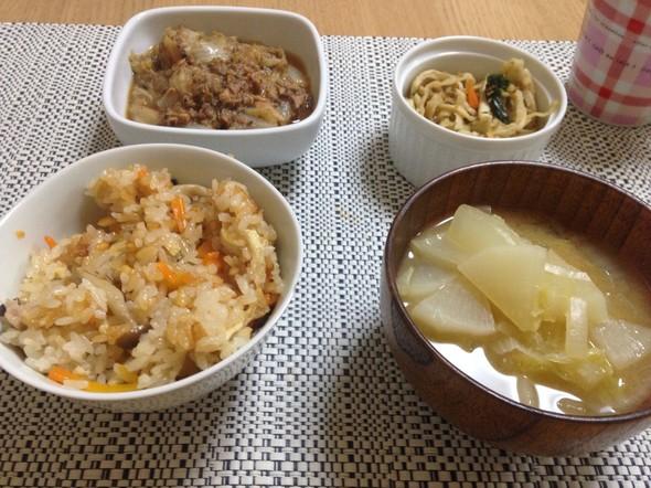 ☆鯖缶と炊き込みご飯の晩御飯☆