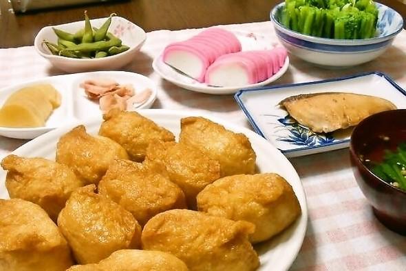 稲荷寿司とブリの照り焼きで夕食