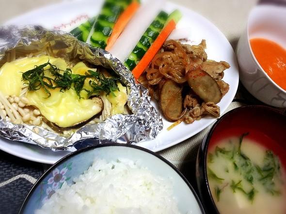 きのこホイル焼きと野菜スティック