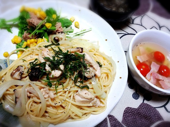 むね肉ときのこの和風パスタとトマトスープ