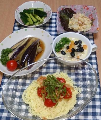 昼食 トマトキムチ素麺