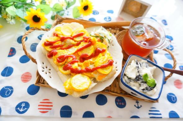 ズッキーニ卵トースト×レアチーズケーキ風