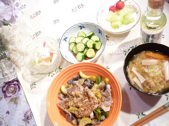 豚肉と夏野菜蒸し焼きメインで☆