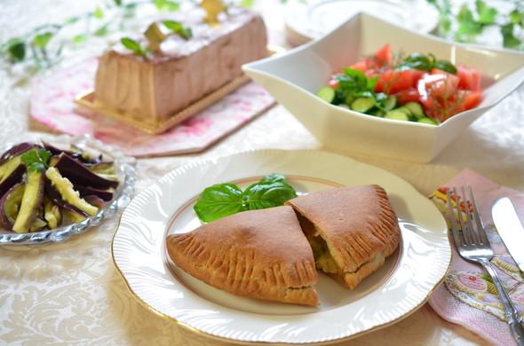 休日に♪カルツォーネの夕食✿