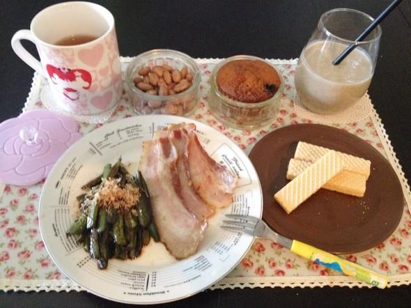 焼きベーコンとハラペーニョで朝ごはん♡