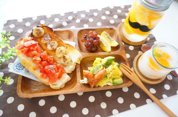 トマト×バナナトーストの朝ごパン