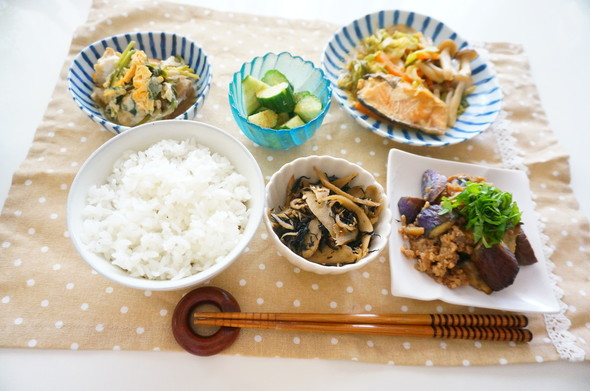 秋鮭のちゃんちゃん焼きメインの夕食