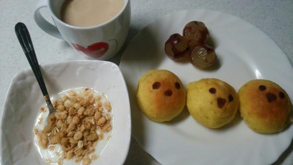 かぼちゃパン×小鳥の顔パン