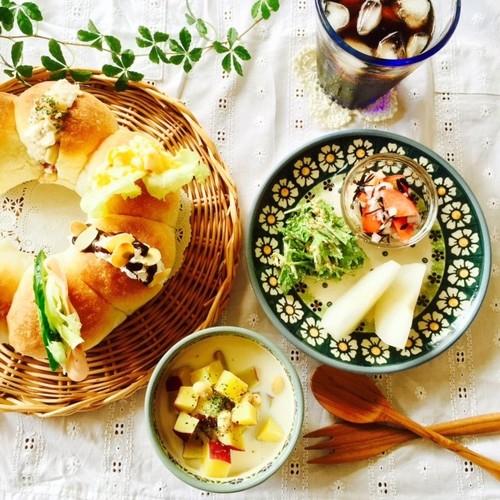 ちぎりパンと美味しいスープでランチ♪
